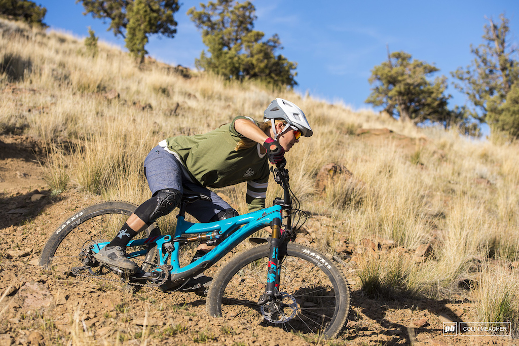 Nikki Rohan at Cline Butte for Pinkbike Summer Gear Guide 2018