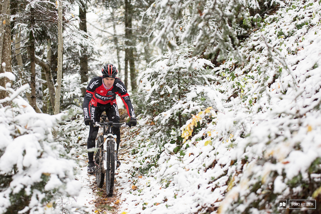Julien grew up in the French Vosges region, providing him with an ideal playground for his beloved mountainbike sport.