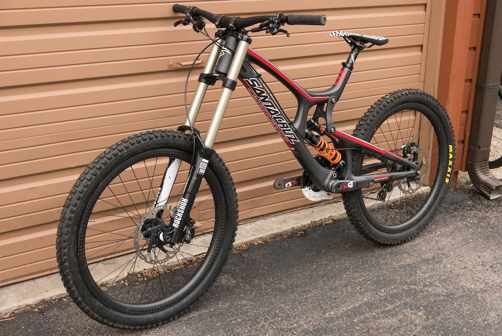 2014 Santa Cruz V10 – Large – All Carbon