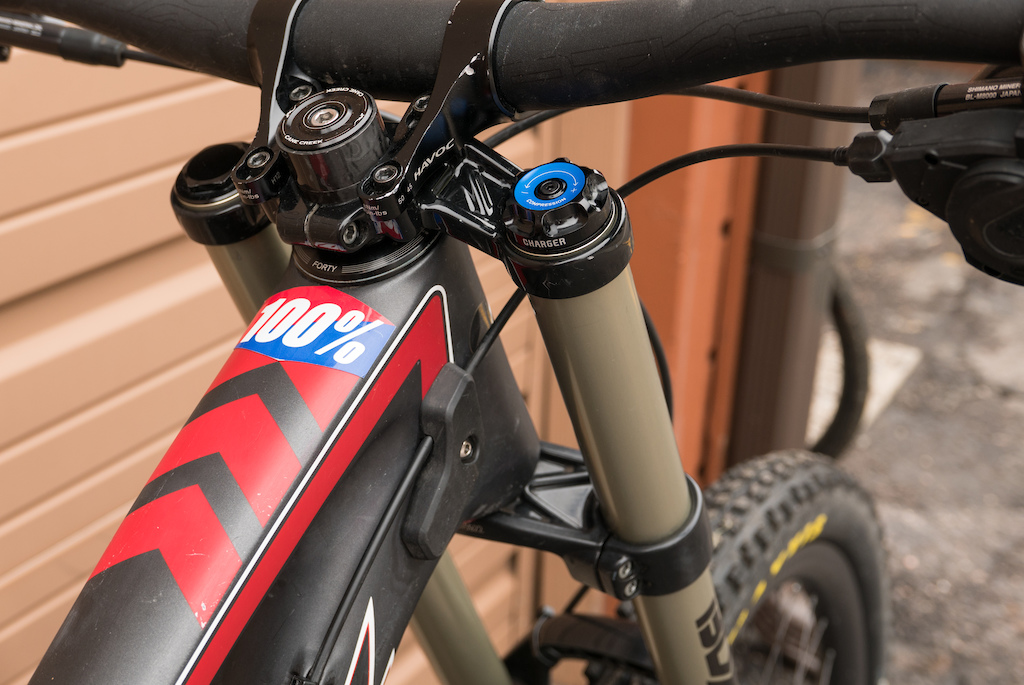 2014 Santa Cruz V10 – Large – All Carbon