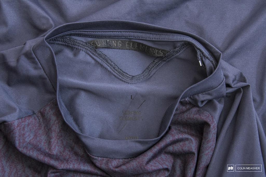 SS Tee Traze Amp Jersey collar details.