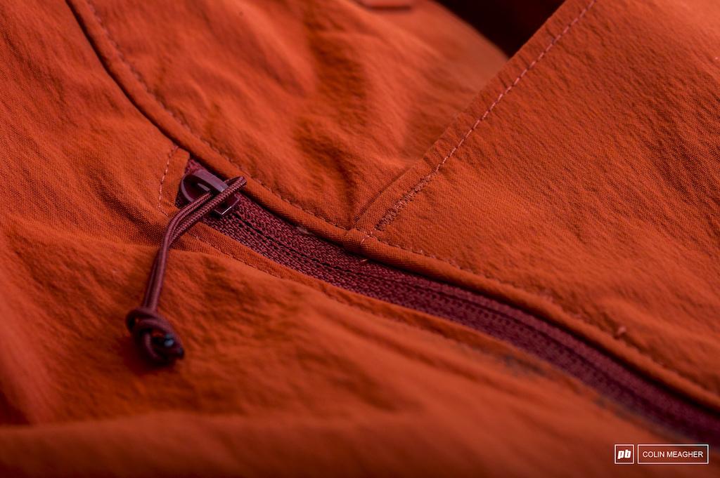 Easy to grasp zipper pulls.