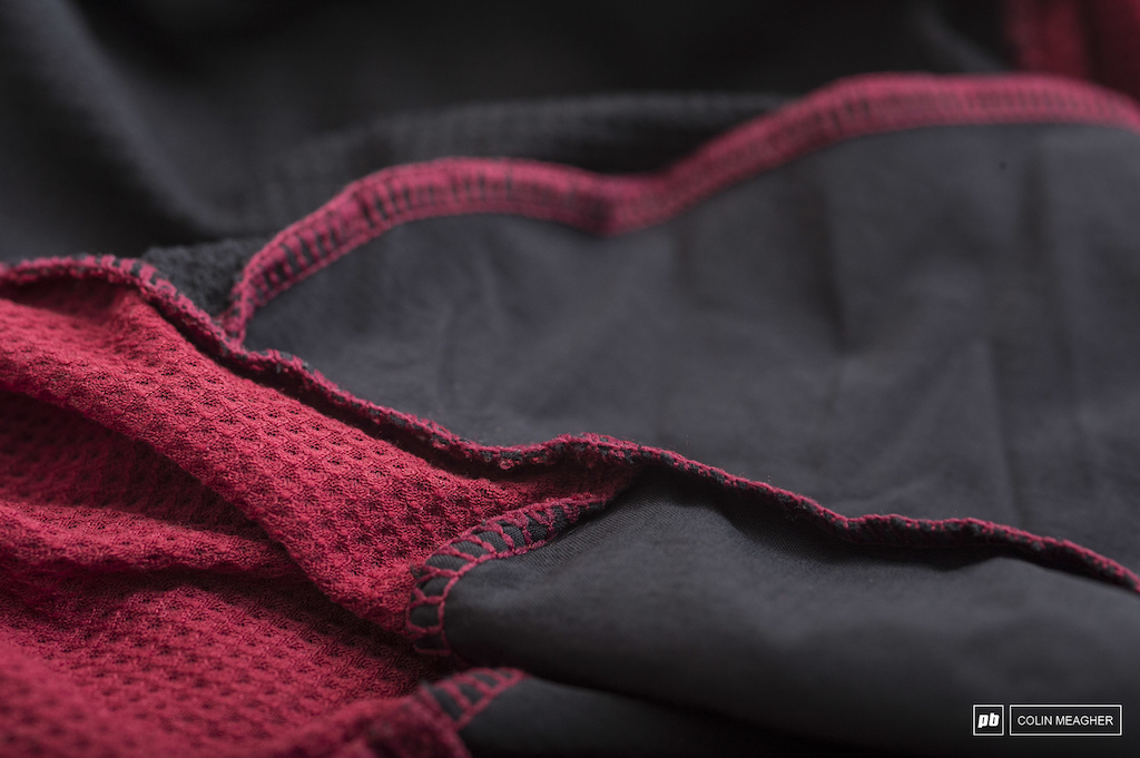 Flat stitched seams.