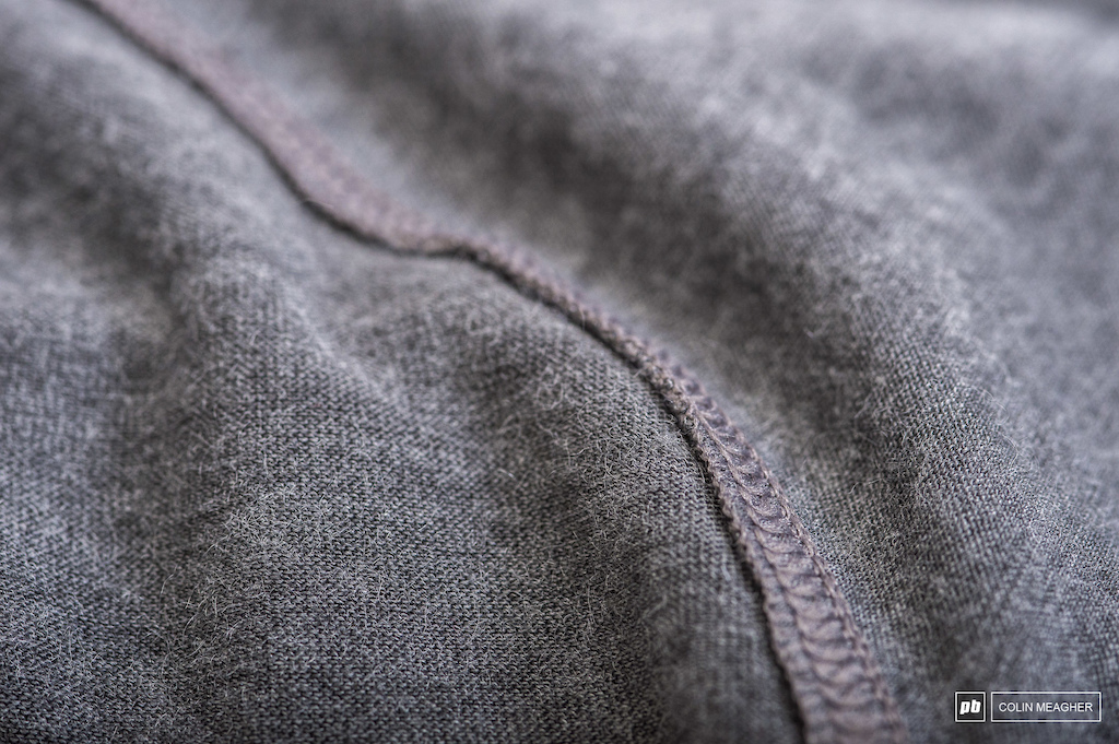 Flat stitched dedtails.