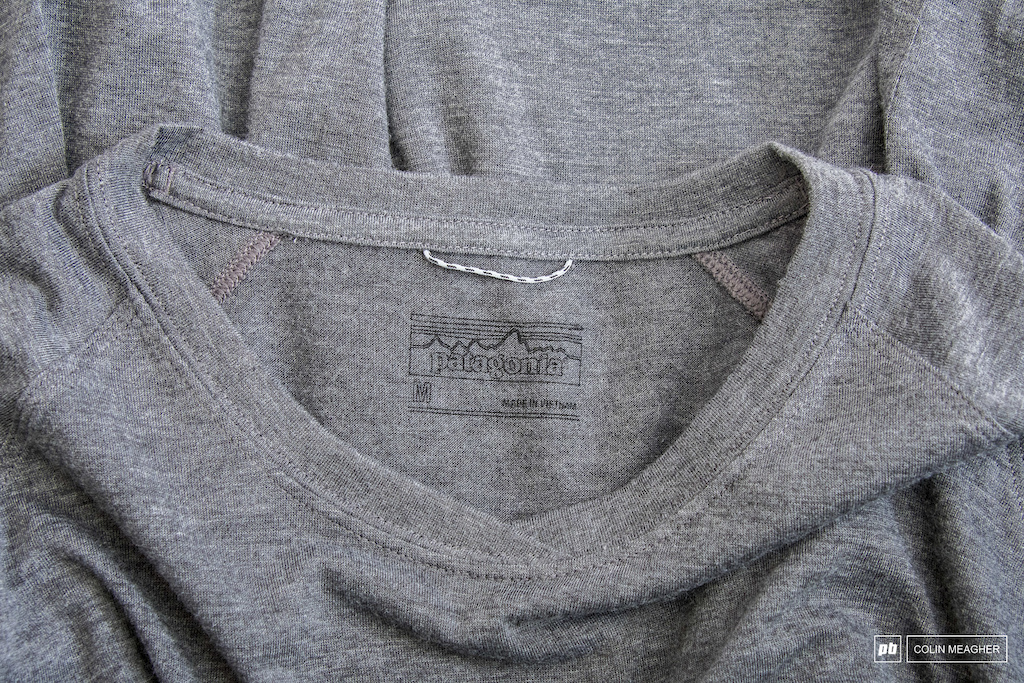 Collar detail of the Nine Trails three-quarter sleeve jersey.