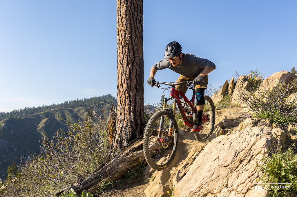 Patagonia's Dirt Roamer Short and Nine Trails three-quarter sleeve jersery.