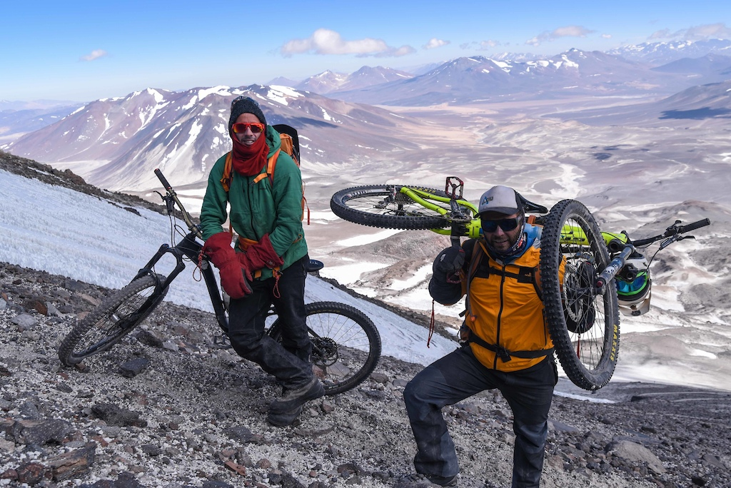 First ascents of the highest volcano in the world by bike. Bigmountainbike project Guardian del Valle .