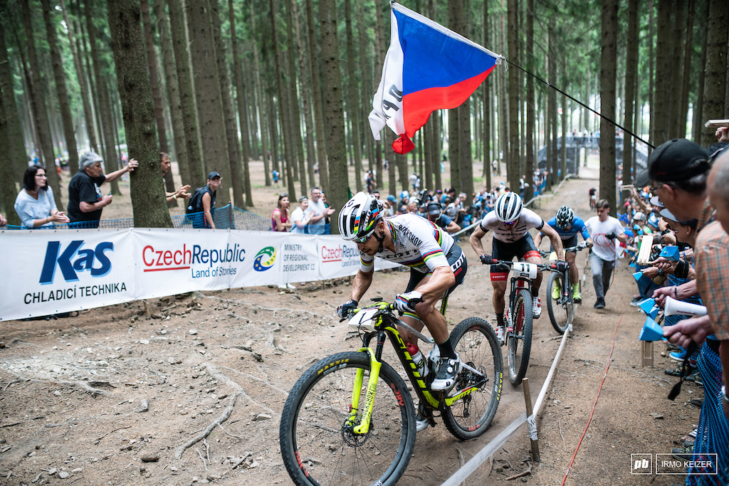 Anton Cooper and Maxime Marotte fire on all cylinders as Nino Schurter leads again. Cooper was beyond the shadow of a doubt man of the day.