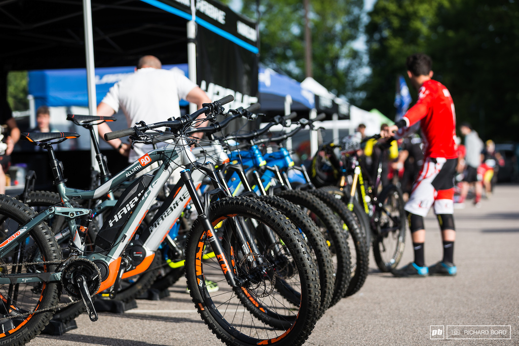 As official partner for the E-MTB french Enduro Cup Haibike was here with some of their XDURO bikes.
