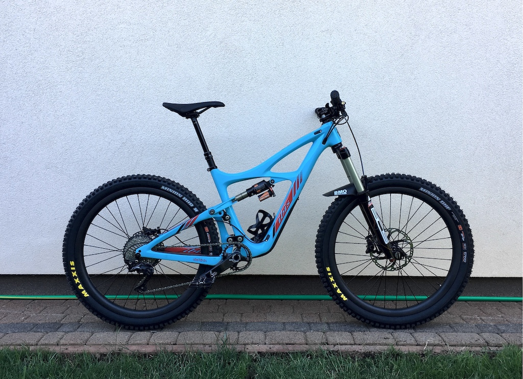 """Ibis Mojo HD3 frame, Bos Deville fork, Bos Kirk shock, Industry Nine hubs with 26"""" spokes with 27.5 Nextie AM rims"""