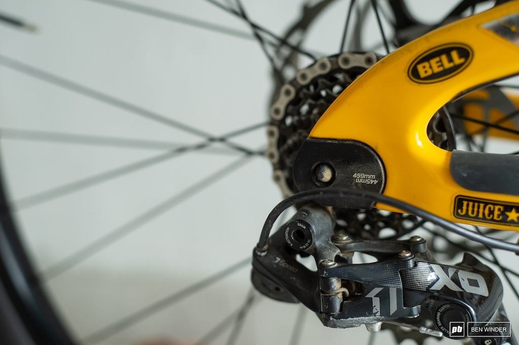 The adjustable dropouts are always set in the longer 460mm length regardless of wheel size.