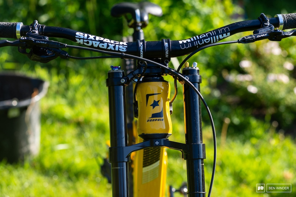 The Rage was one if not the first bike to come with an oval shaped headtube with different cups to adjust reach and angle.