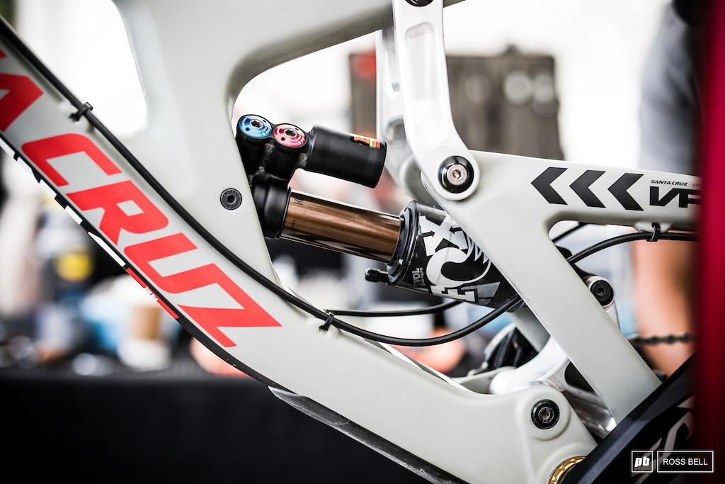 Loris Vergier has gone back to an air shock with the new V10.