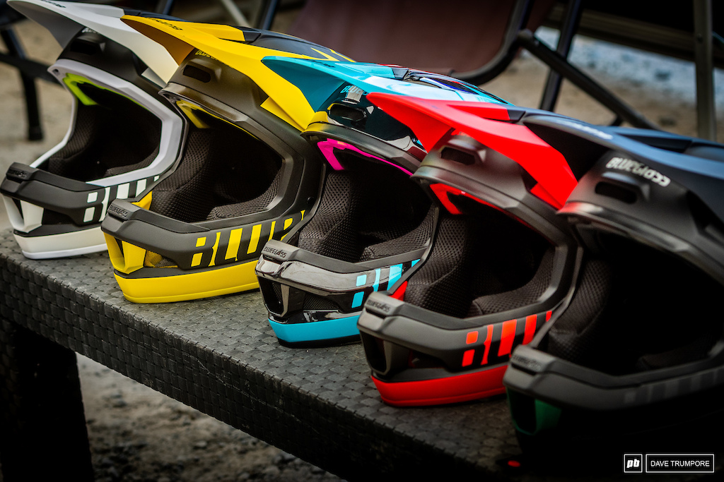 Bluegrass has their new helmet her in Fort Willian and this collection of colors was spotted in the UR Polygon pits.