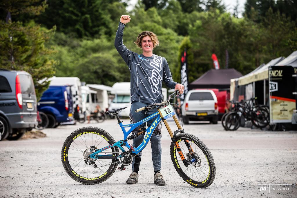 Josh Oxenham from New Zealand and his Pivot Phoenix.
