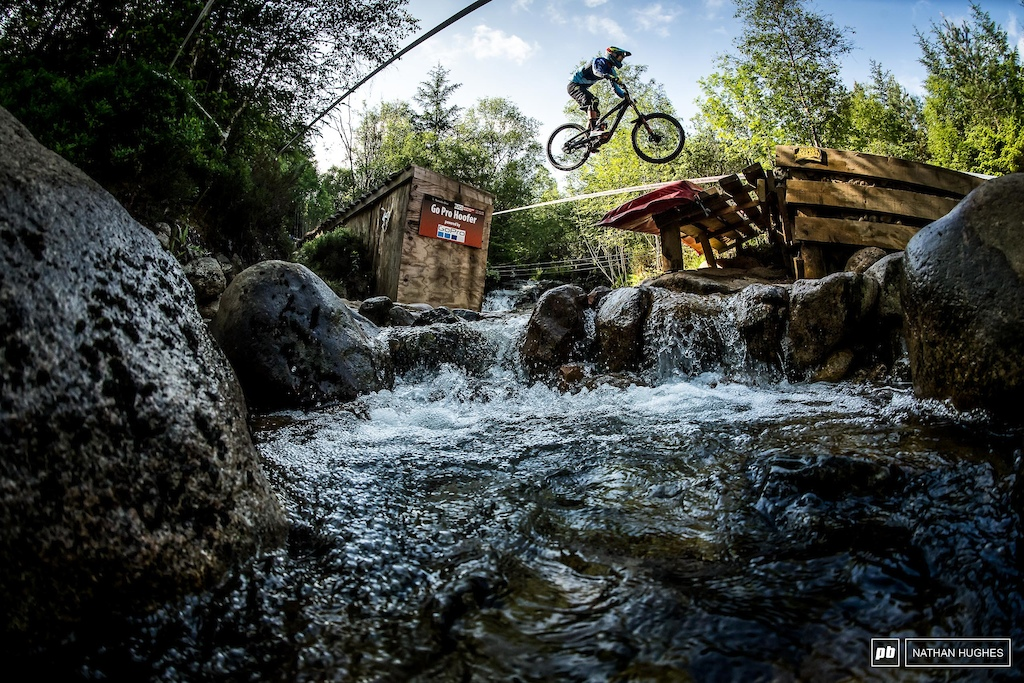 Enduro prodigy Martin Maes killing the downhill game as a guest rider and hoofing it to a top ten qualie.