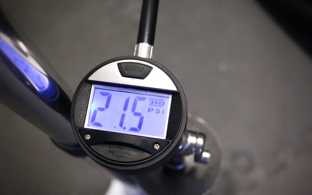 Crankbrothers Klic Digital Floor Pump Burst Tank