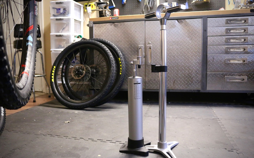 Crankbrothers' Klic Digital Floor Pump + Burst Tank