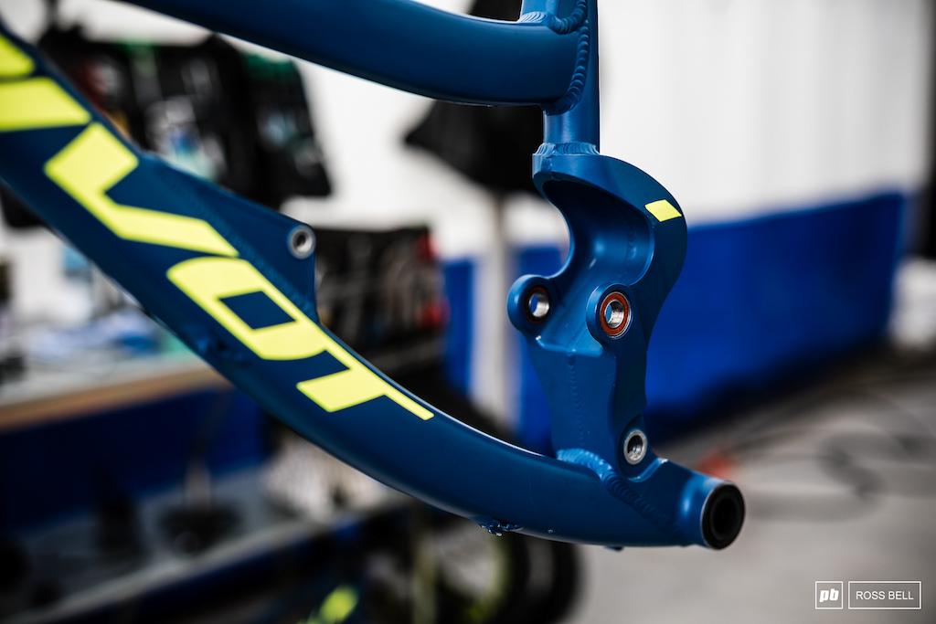Frame detail on the Pivot 29er.