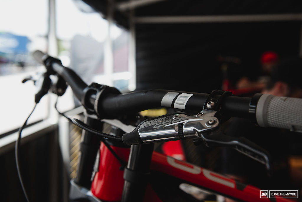 The Intense boys are now sporting ENVE s new M9 handlebar.
