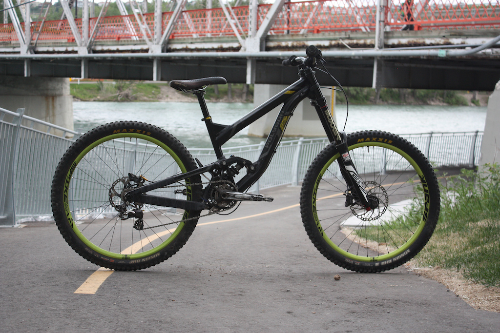 Polygon Colossus DH My first 27.5 bike running it single speed for extra dhness new bars are on their way