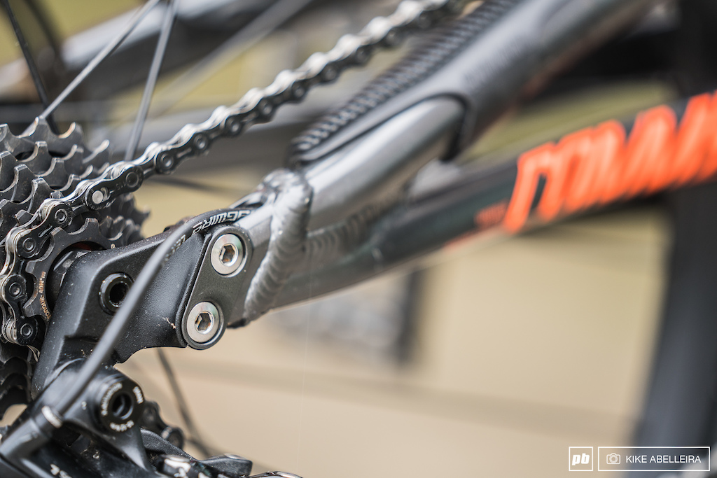 Commencal Supreme DH 29 Review - removable dropouts