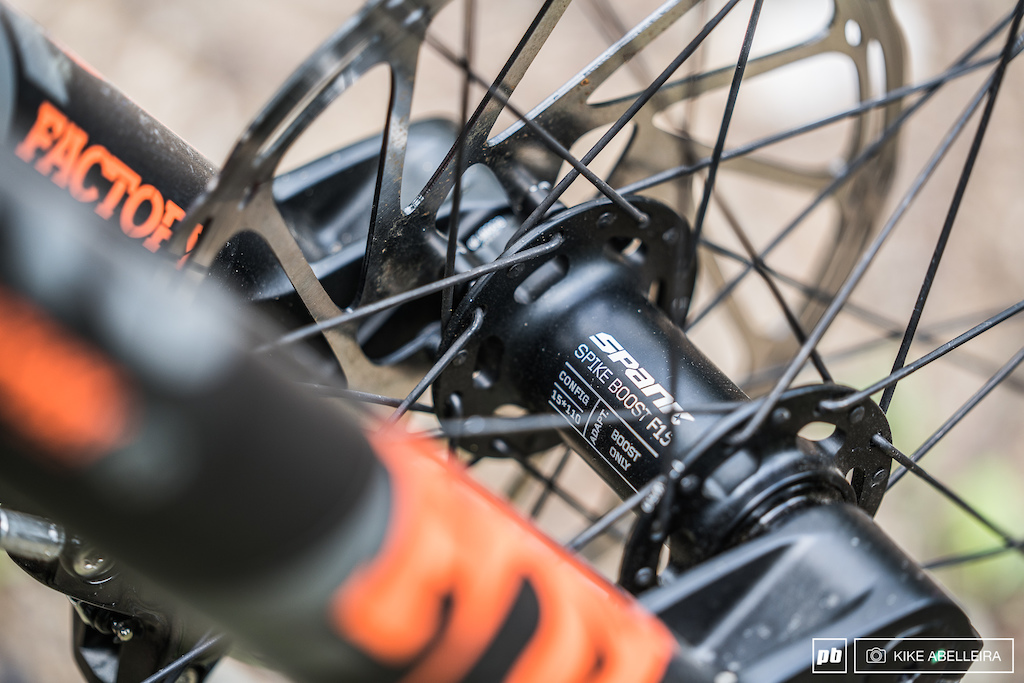 Banshee Legend 29 Review - Spank Spike Vibrocore wheelset