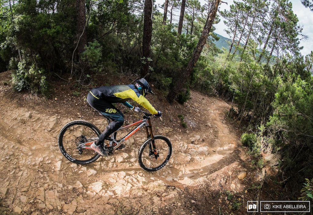 Banshee Legend 29 Review - riding