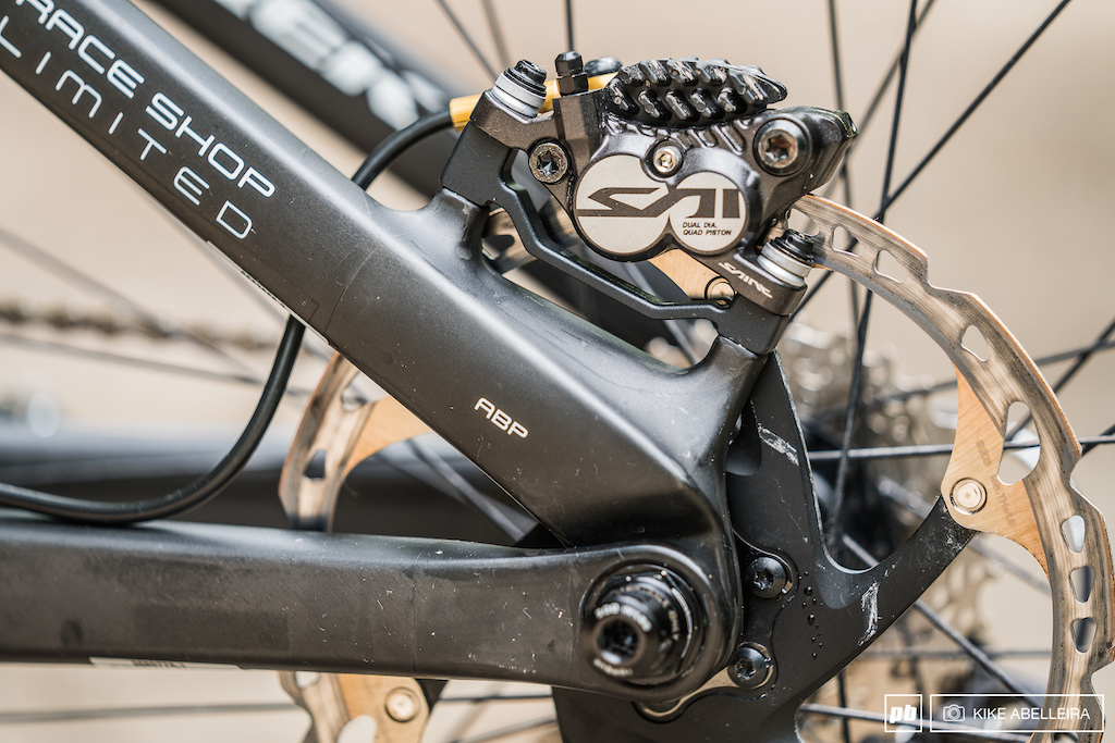 Trek Session 9.9 Review - ABP Active Braking Pivot and Saint caliper