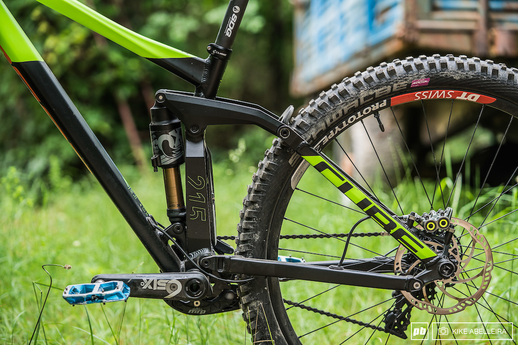 Cube Stereo DH 29 Review - non-driveside rear triangle