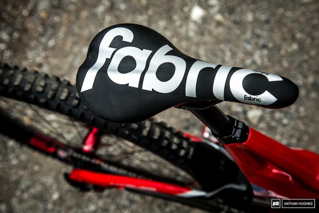 Charlie Harrison s M29 bike check - Intense Factory Racing