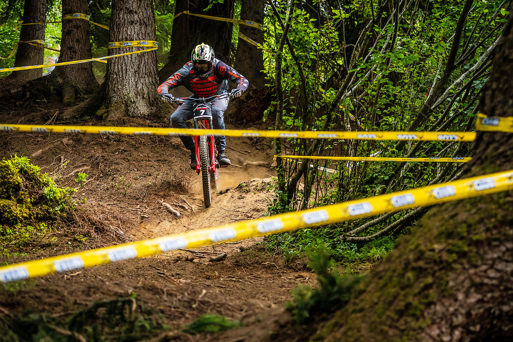 Charles Harrison of Intense Bikes rode like there was no yesterday... And this strategy brought him some awesome results. Hope it's going to be a great confidence booster for the upcoming races for this young rider.