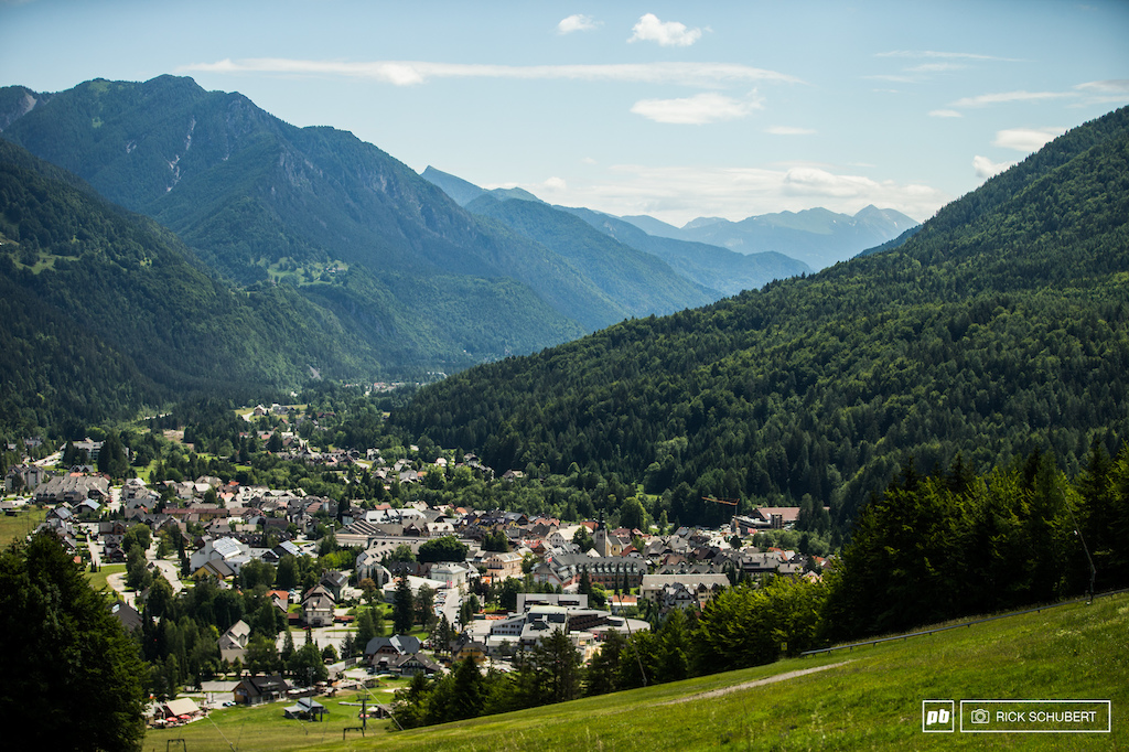 Kranjska Gora is a small but well known ski resort in winter time but more and more mountainbiking finds its way to the valley