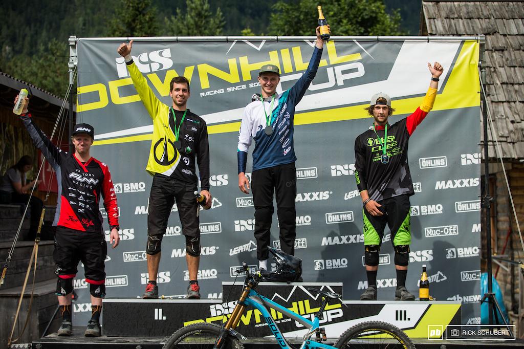 Elite men podium with Bryn Dickerson, Luka Berginc, Joshua Barth and Max Hartenstern