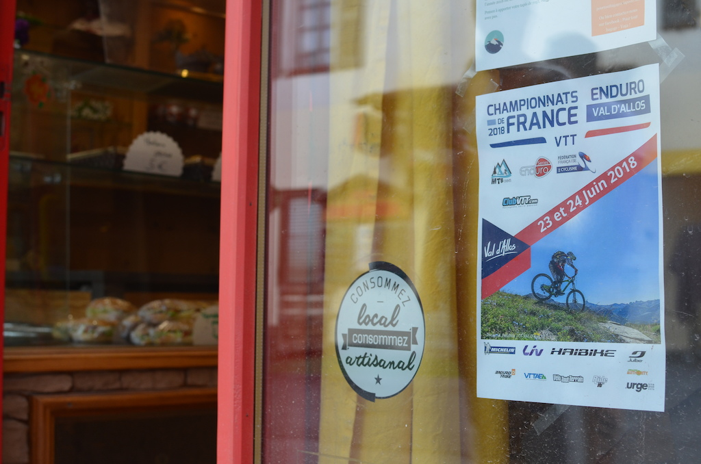 In between croissants and tasty local sweets a mountainbike race has its place too