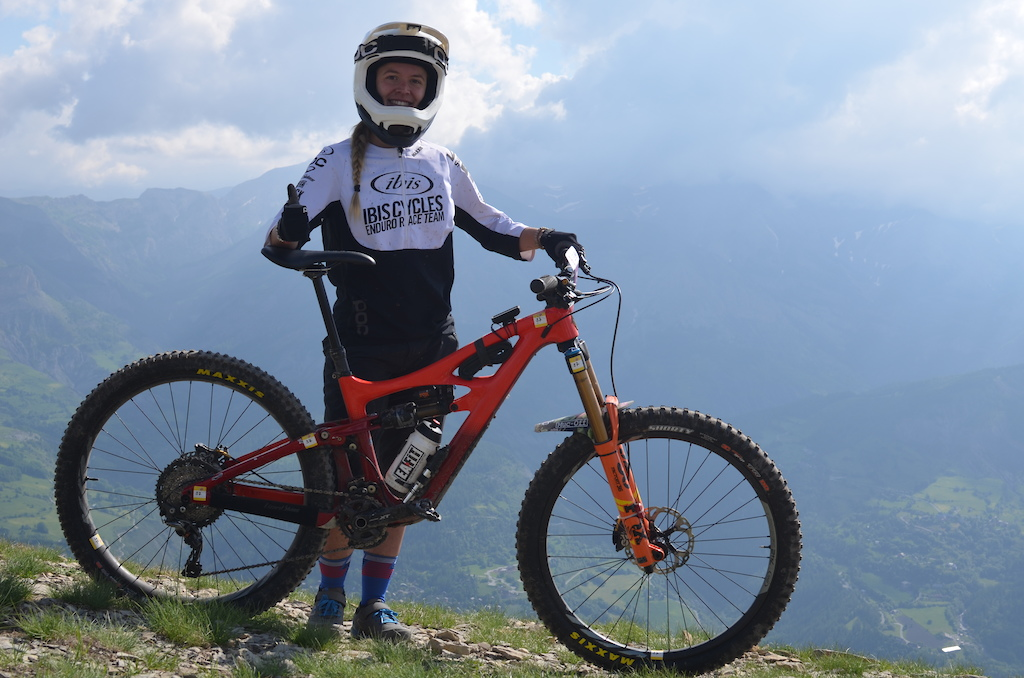Julie Duvert ready to tackle the weekend on her Ibis Mojo