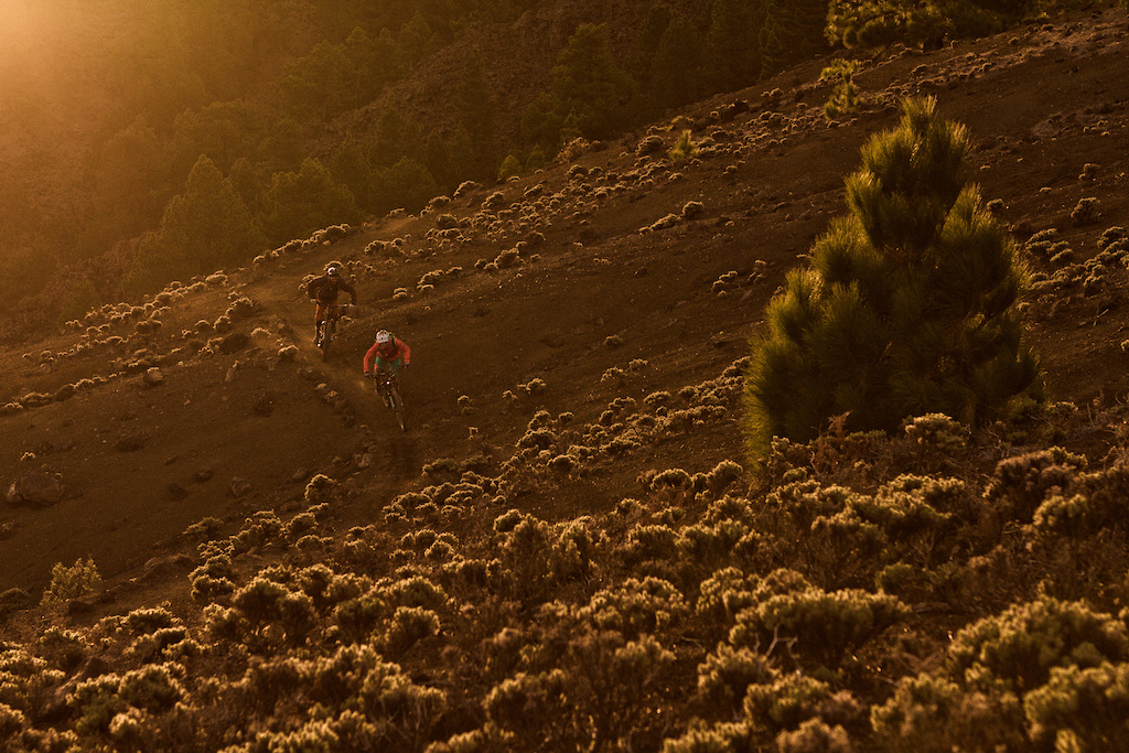 The best you can do on La Palma get up early ride and hike up to the mountain and have a sunriset like this...