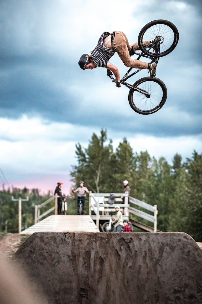 Max Langille riding while shooting for AFTER8 Photo by Steve Reed