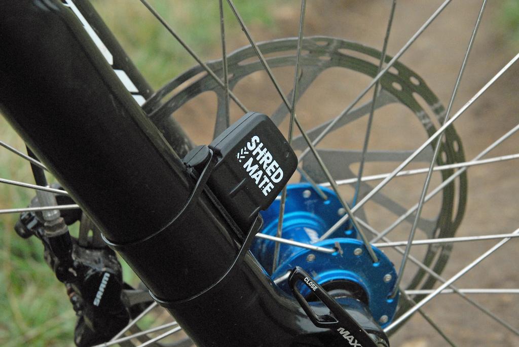 Shredmate mtb jump sensor on bike
