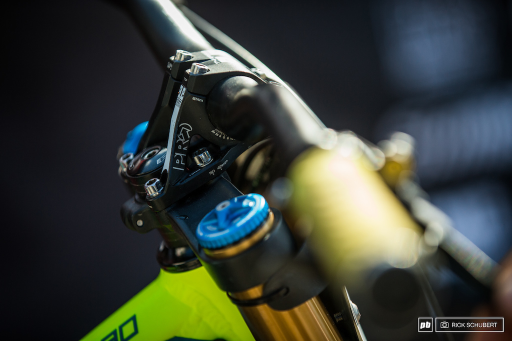 Pro 50mm stem which can me changed to 45mm if Rasto wants to