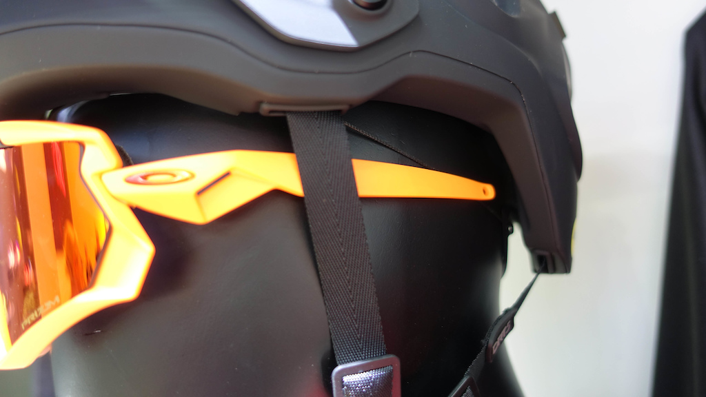 ed7cd380d23d The new DRT 5 helmet s Boa strap is thin and sleek which means it doesn