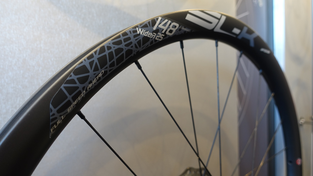 The SL-K is a 30mm wide trail all mountain wheel.