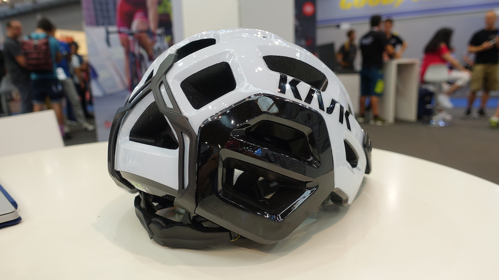 Kask s Rex MTB lid has a goggle strap to stop them moving or falling off.