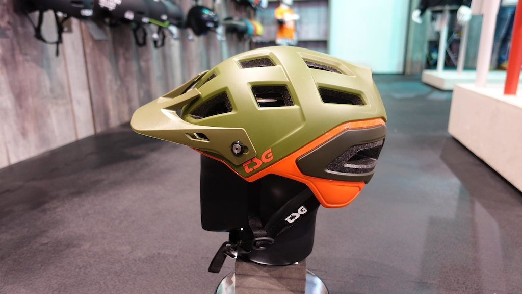 Inspired by automotive design the Scope helmet has large vents and sits deep on your head for good protection.