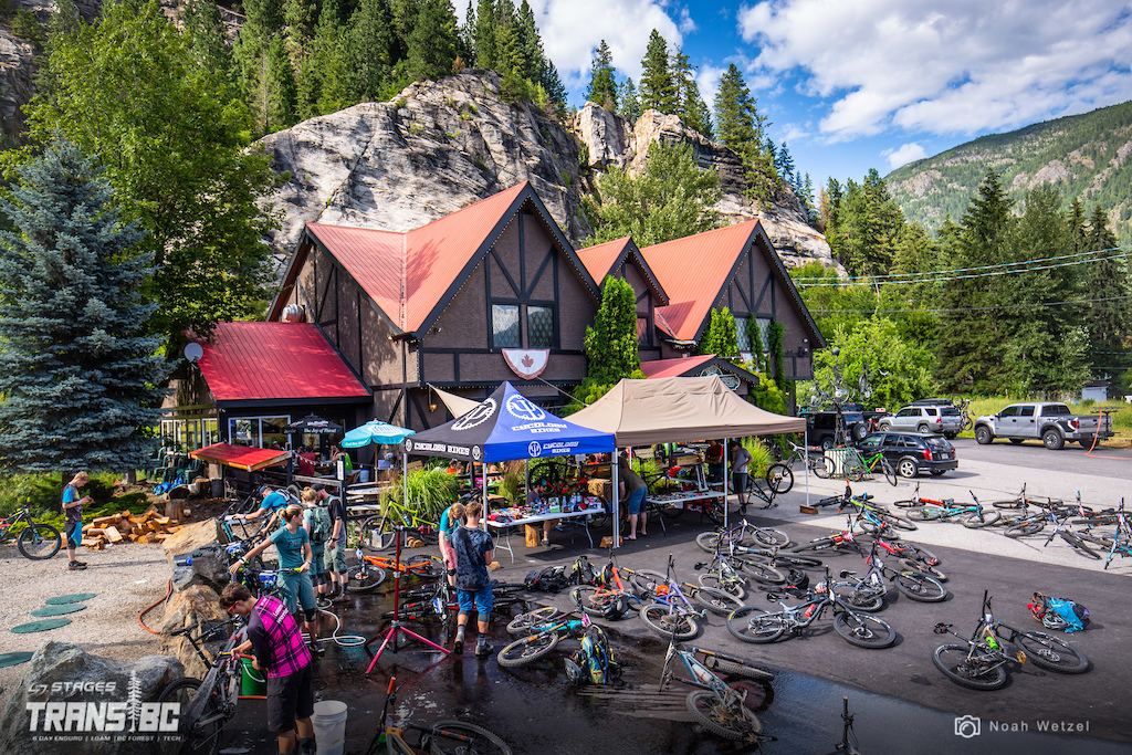 Apres race at the Lions Head Pub in Castlegar BC on day 3 of the 2018 Trans BC Enduro.