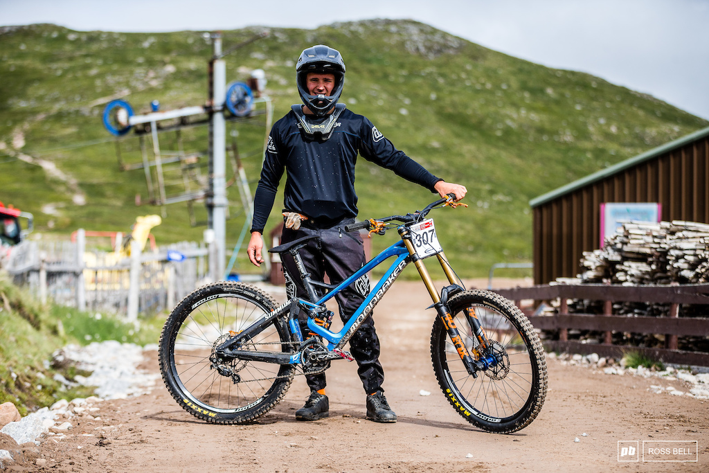 Luke Birkett and his Mondraker Summum.