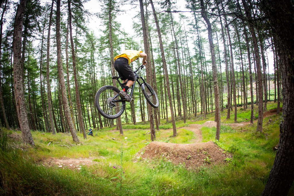 Trail builder extrodaniare top Scottish DH and Enduro rider coach nice guy and glue of the Inverness scene Ronan Taylor.