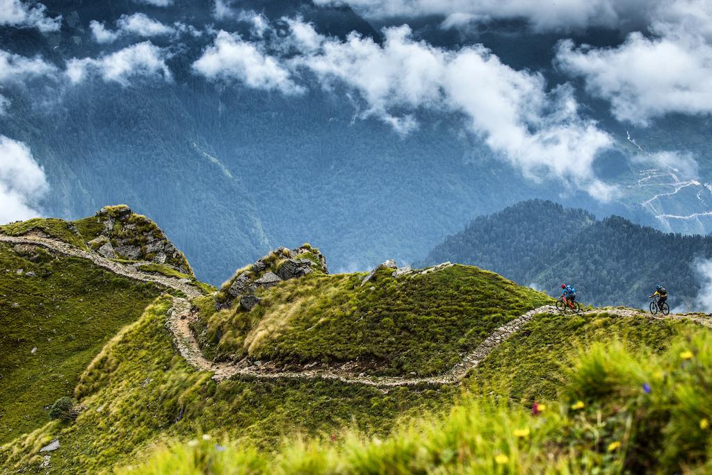 Munsyari Mountain Bike Survey   PIC © Andy Lloyd www.andylloyd.photography