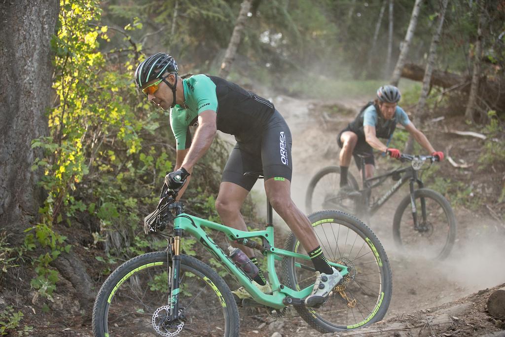 rider tomi Misser leads Alex McGuinnis