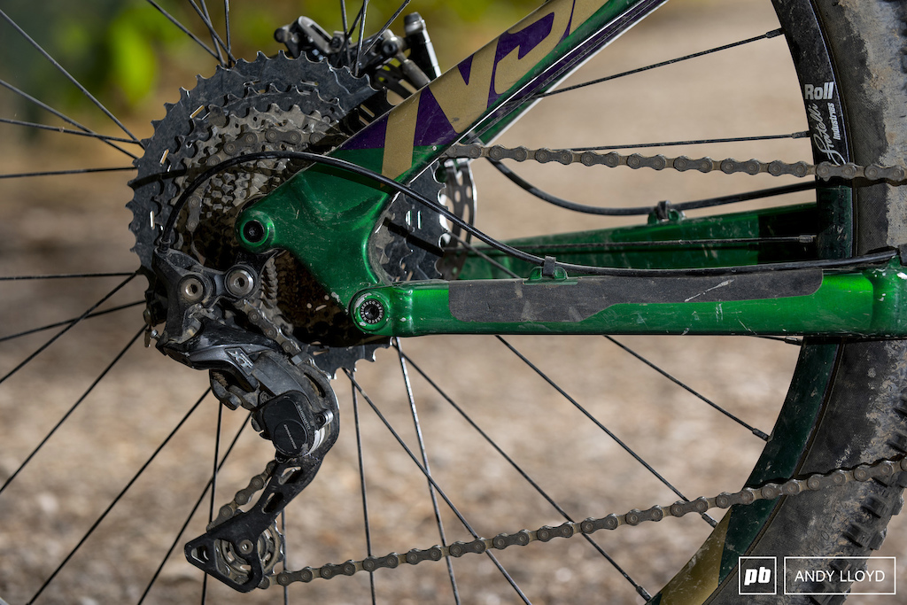 Shimano s XT drivetrain is a real star performer but the cassette could really do with a larger cog to give a bit of additional help on very steep climbs. PIC Andy Lloyd www.andylloyd.photography
